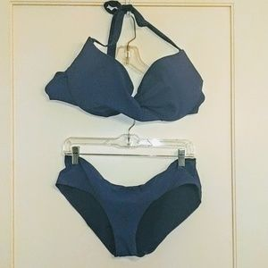 Twist front underwire swimsuit